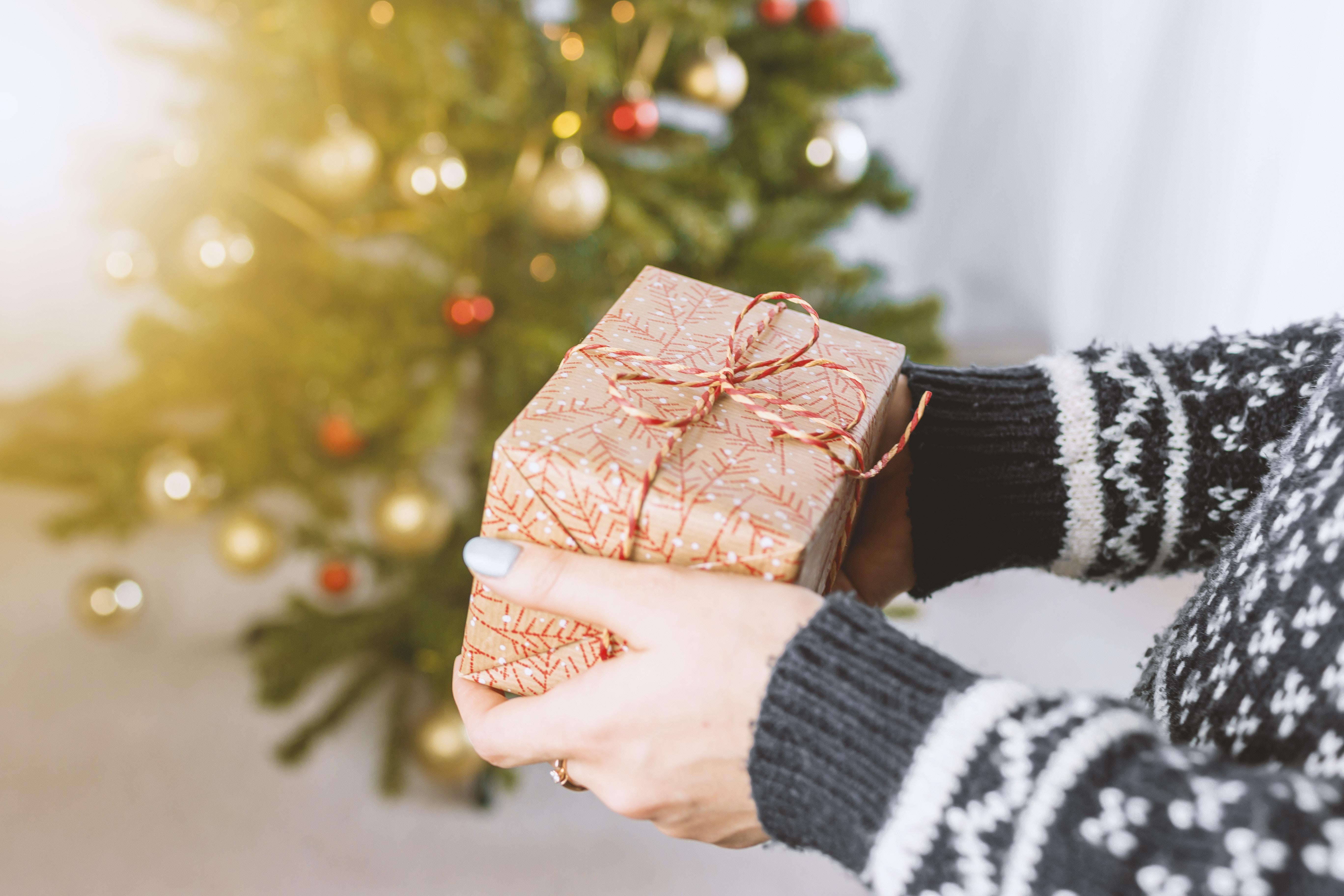 Tra i regali con foto i fotolibri sono tra i più apprezzati.